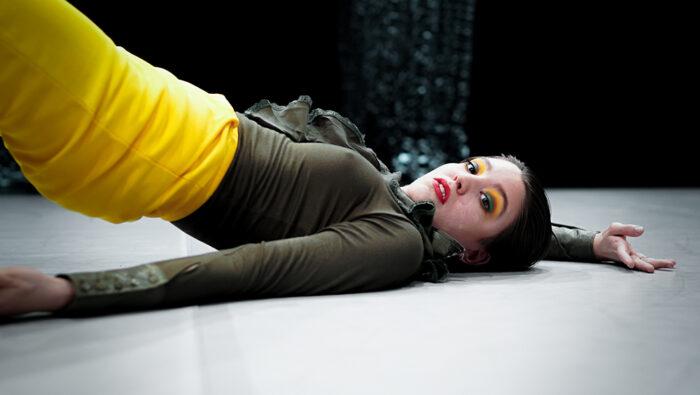Dansaren Ofelia Jarl Ortega från föreställningen stm